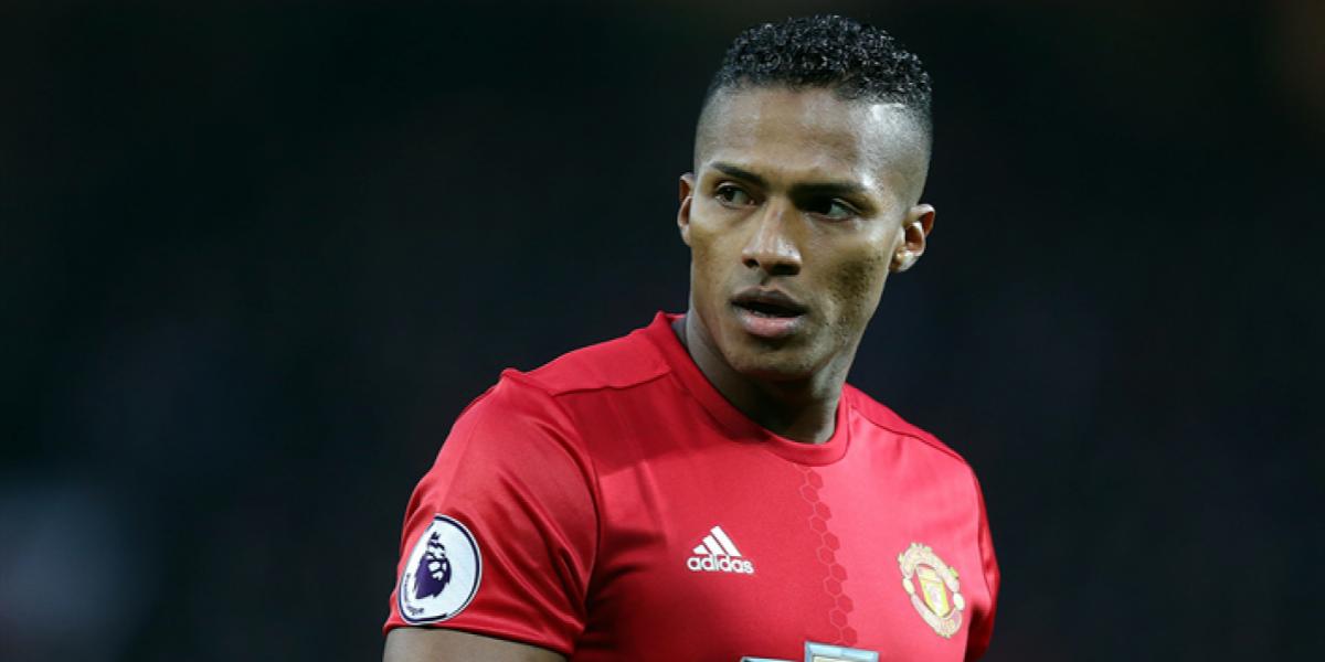 ¿Manchester United no extenderá contrato de Antonio Valencia?