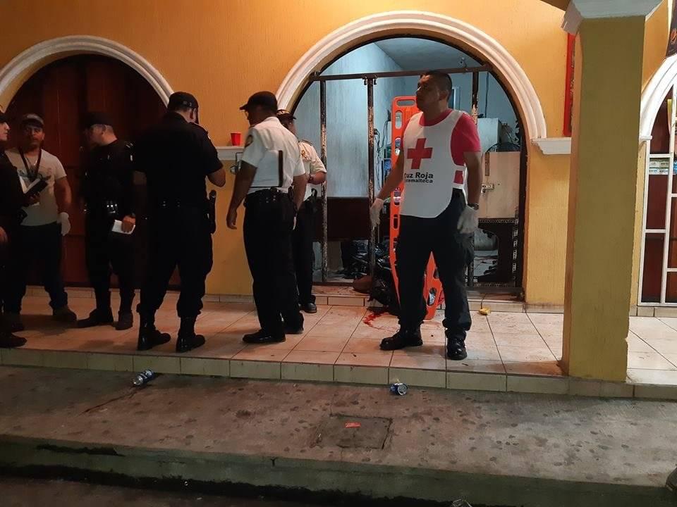 Cuatro hombres murieron y uno resultó herido en un ataque armado en la zona 6 de Retalhuleu. Emisoras Unidas Costa Sur