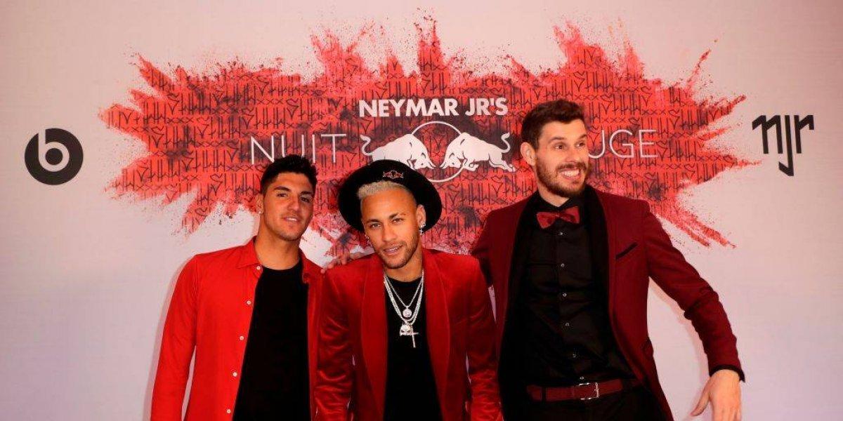 Neymar festeja su cumpleaños con excéntrica reunión