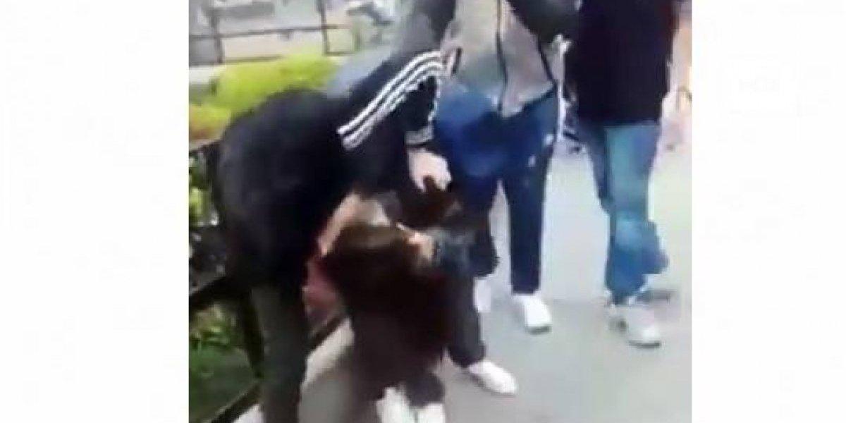 Pelea entre estudiantes de un colegio fue grabada por sus compañeros