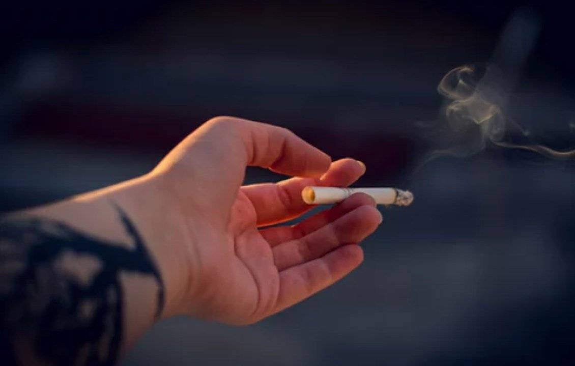 Estar sin amigos hace más daño al cuerpo que fumar, beber y la obesidad