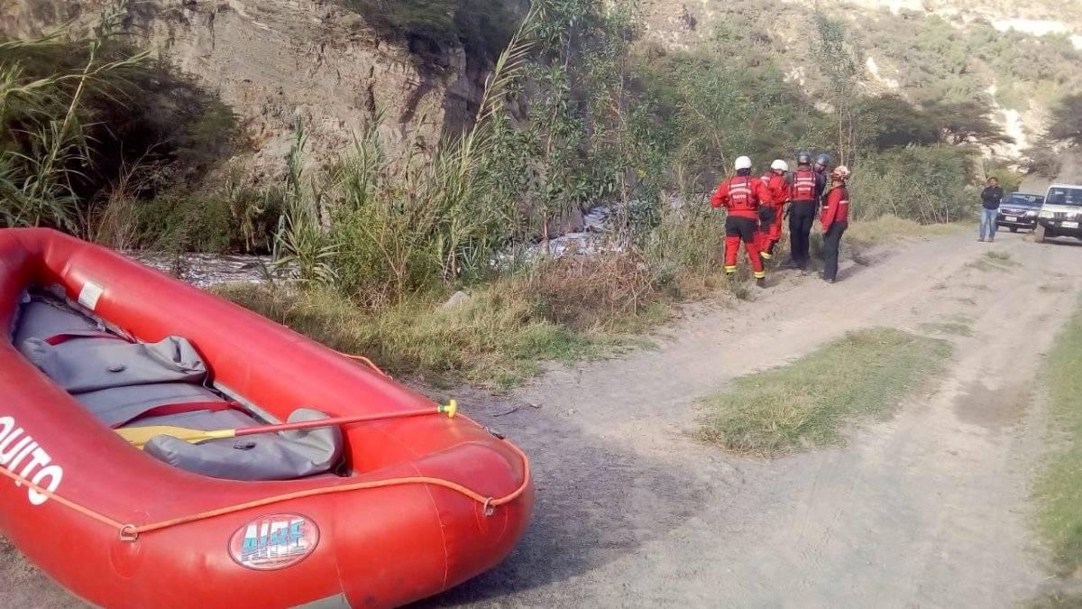 Hallan el cadáver de un hombre en el río Guayllabamba