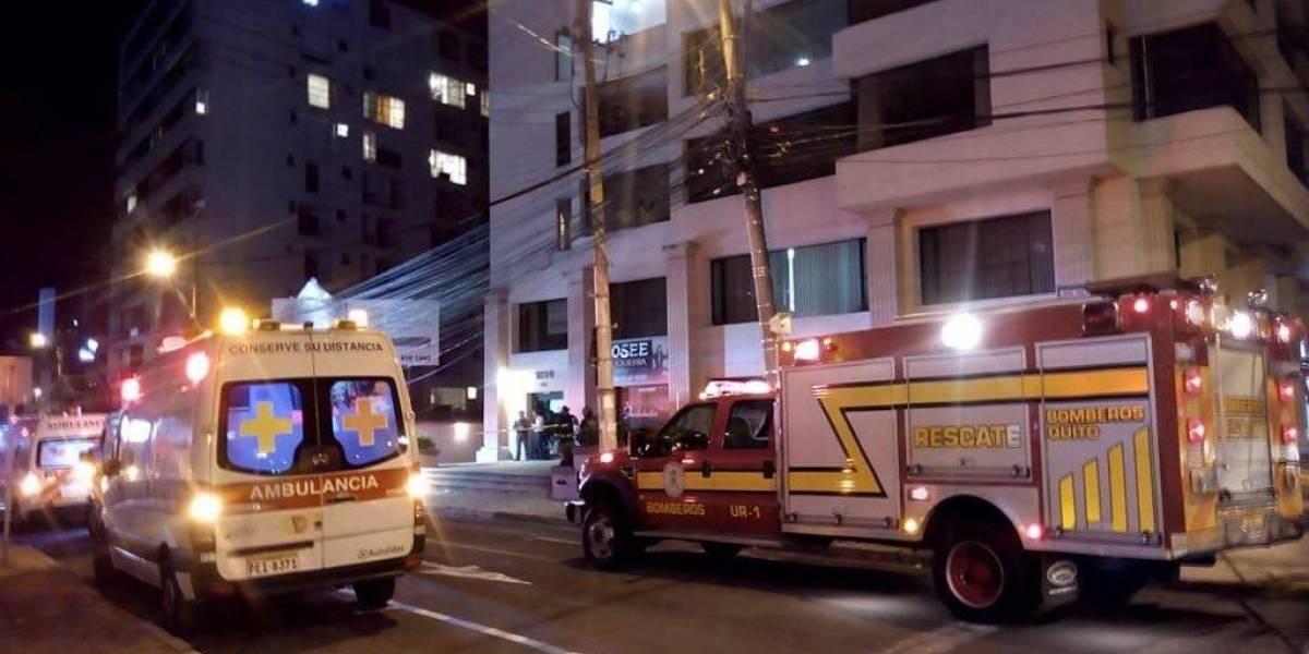 Dos heridos tras explosión por fuga de gas en edificio en el norte de Quito