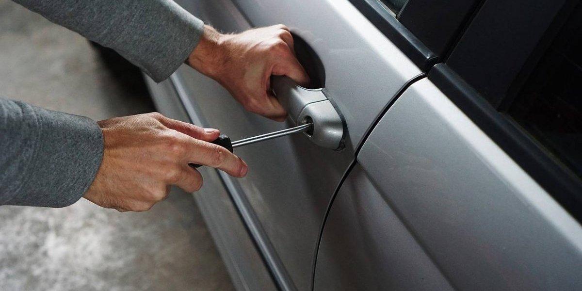 Investigan cuatro casos de robos de autos en San Juan