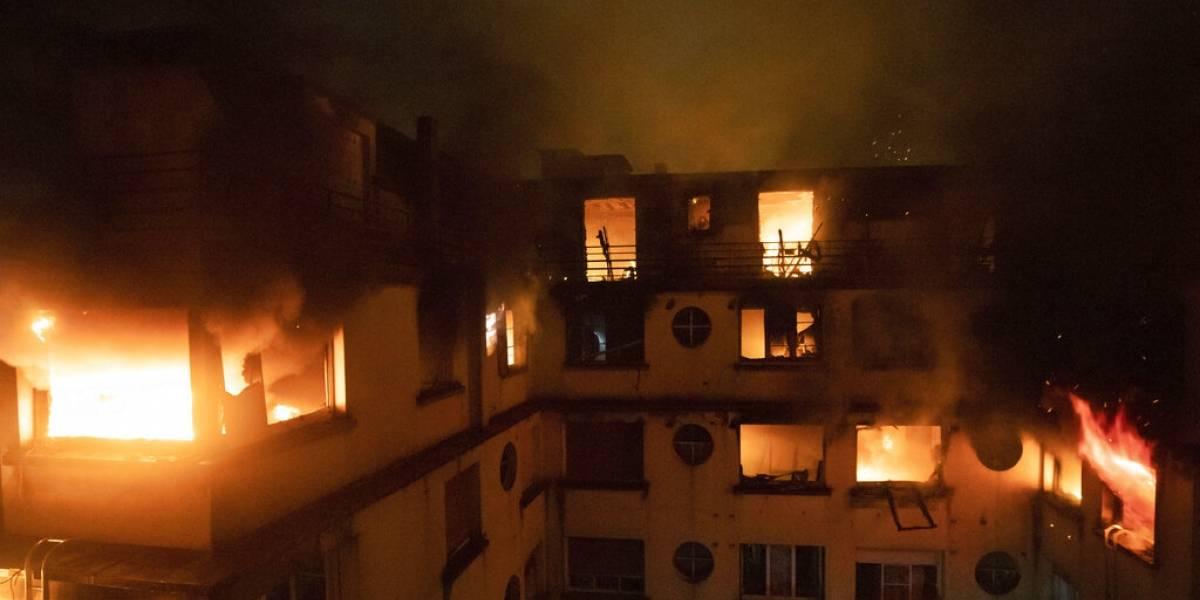 Sube a 10 número de muertos por incendio en un departamento en París