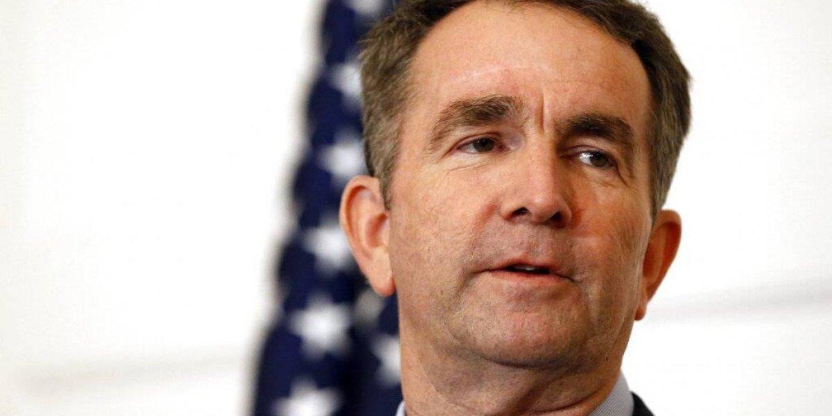 Gobernador de Virginia se aferra a su puesto