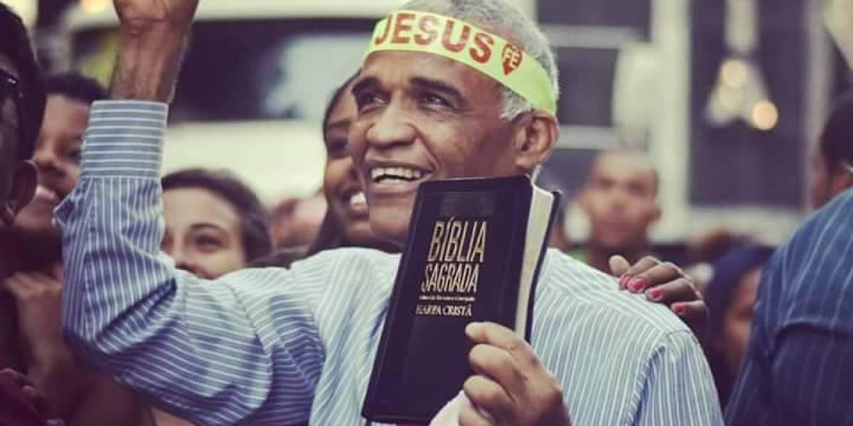 Bíblia pode se tornar patrimônio nacional; projeto é de deputado 'ex-gay'