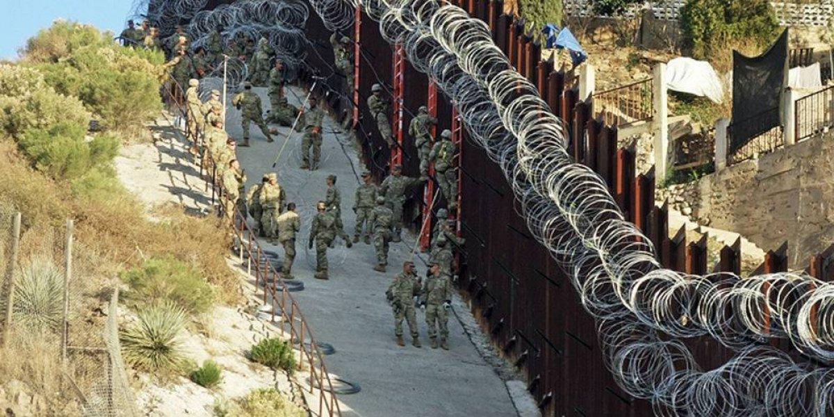EU tapiza la frontera en Arizona con 6 hileras de alambre de púas