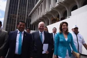 partido Valor presenta amparo por negativa de inscripción de Zury Ríos
