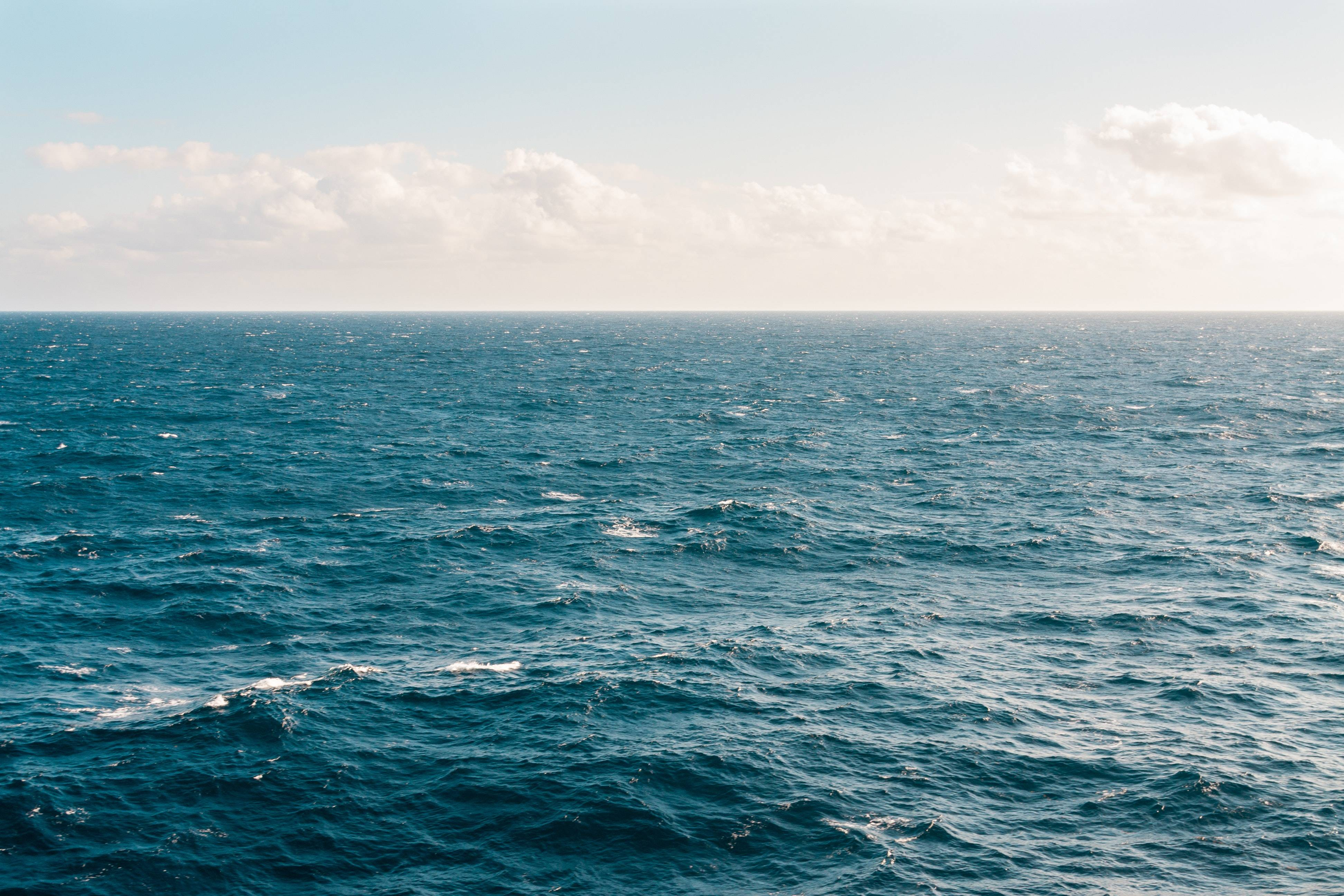 Nuevo estudio asombra a científicos al descubrir fuente de magnetismo debajo del Océano Pacífico