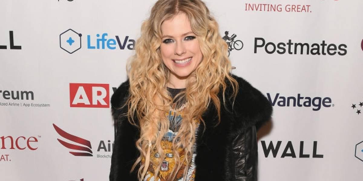 Avril Lavigne fala sobre sua doença em prévia de nova música