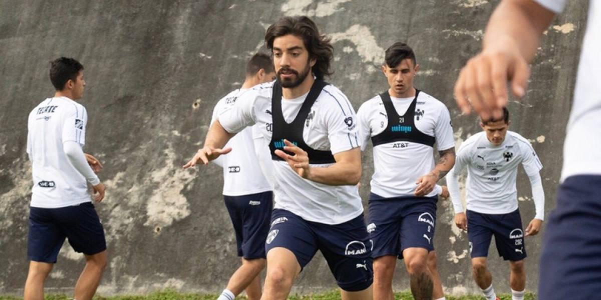 Pizarro ve en Rayados base del Tricolor