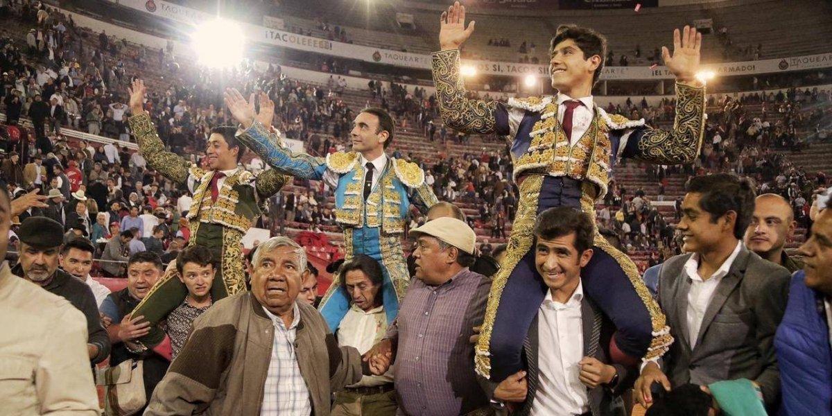 Hermoso, Ponce, Flores y Adame triunfan en aniversario de Plaza México