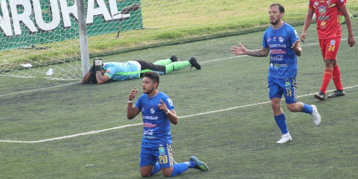 Cobán pone una mano en la Copa tras vencer a San Pedro