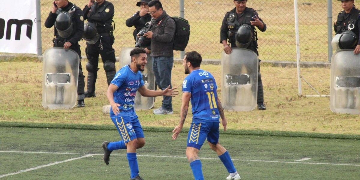 Cobán aprovecha que Petapa jugó con su especial y es líder