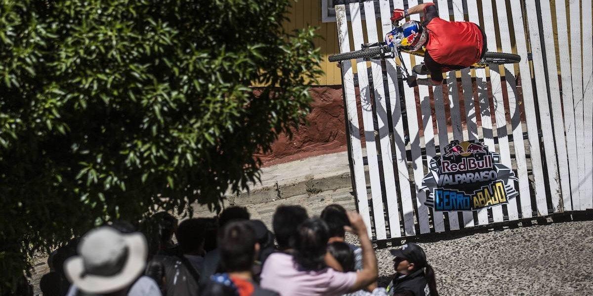 Valparaíso se viene cerro abajo con una Armada Chilena en busca del esquivo triunfo