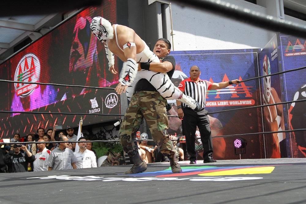 TV Azteca revela comentaristas que llevarán las emisiones de AAA