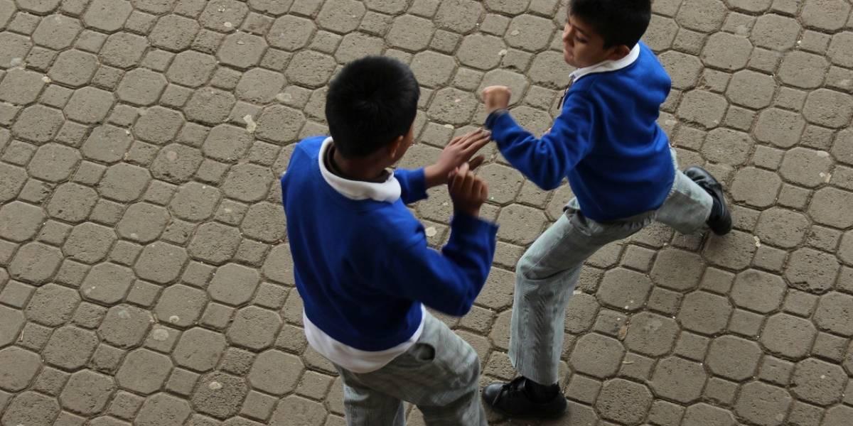 Buscan combatir acoso escolar... ¡con meditación!