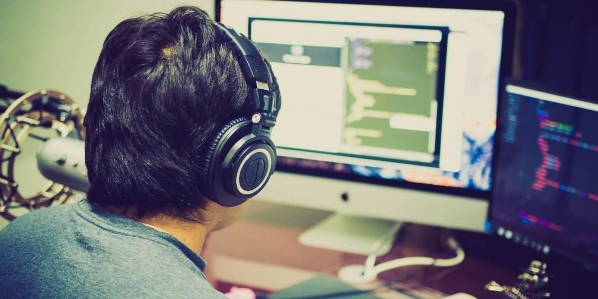 Escuchar bandas sonoras de videojuegos estando en el trabajo podría mejorar mucho tu concentración
