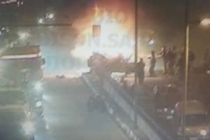 ncendio vehicular en la avenida Mariscal Sucre