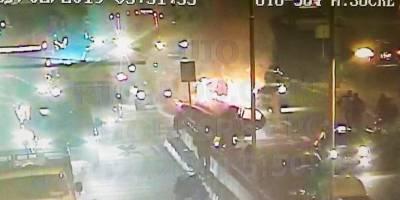 Incendio vehicular en la avenida Mariscal Sucre