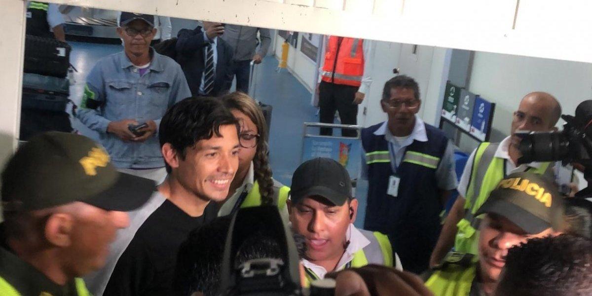 """""""Una estrella que nos trae esperanza"""": Matías Fernández provocó una locura en su llegada a Colombia"""
