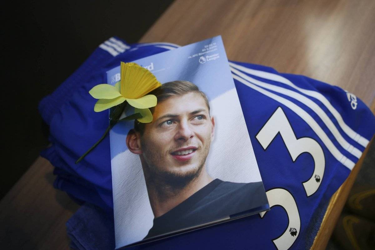 Filters photos of the body of Emiliano Sala in the morgue