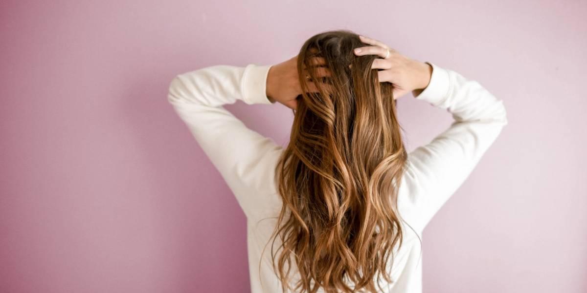 Mira estos 5 trucos para combatir el cabello grasoso