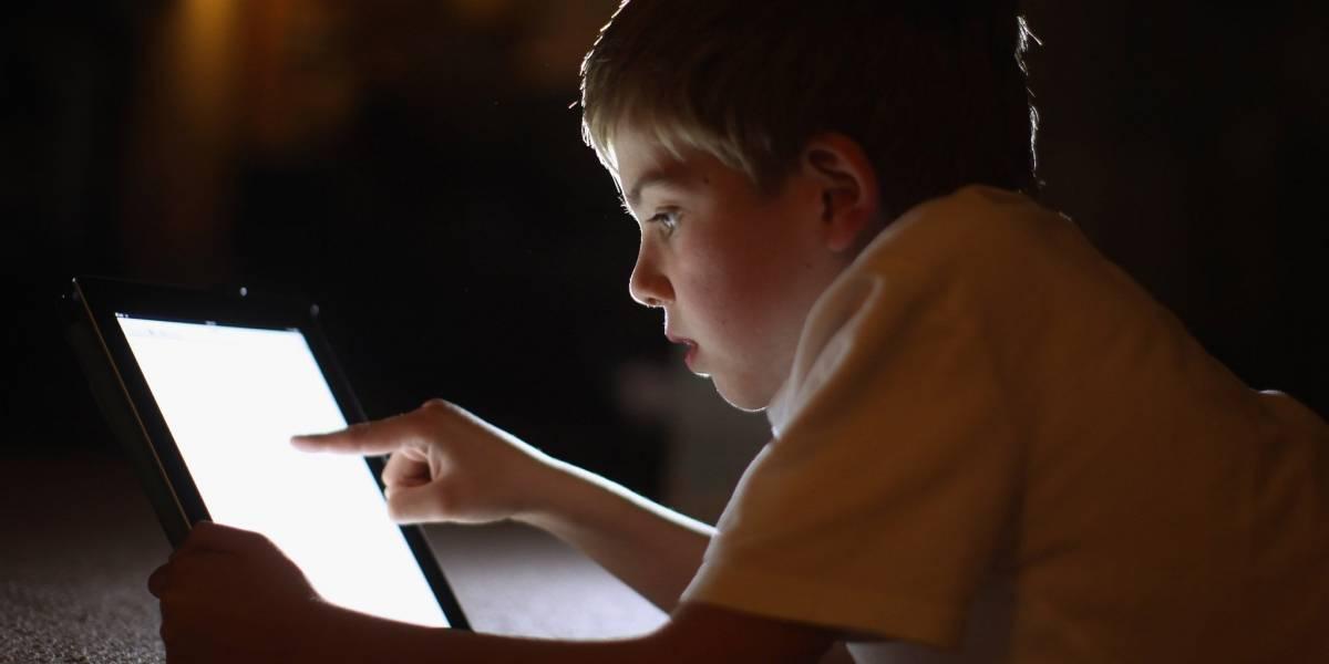 Niños e Internet: un 20% tiene desconocidos en redes sociales y un 40% pasa más de tres horas diarias en la red