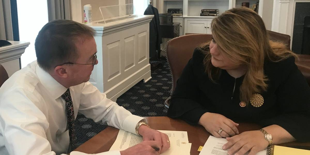 Jenniffer González se reúne con Jefe de Gabinete de Casa Blanca