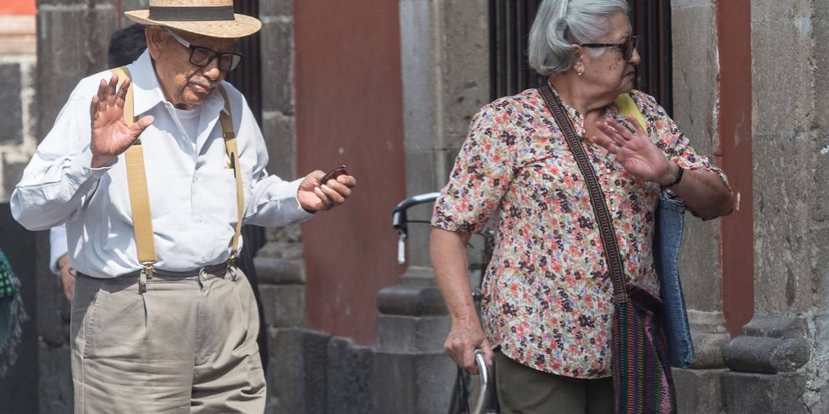 ¿Cuánto deberían ganar los abuelitos por cuidar a sus nietos?