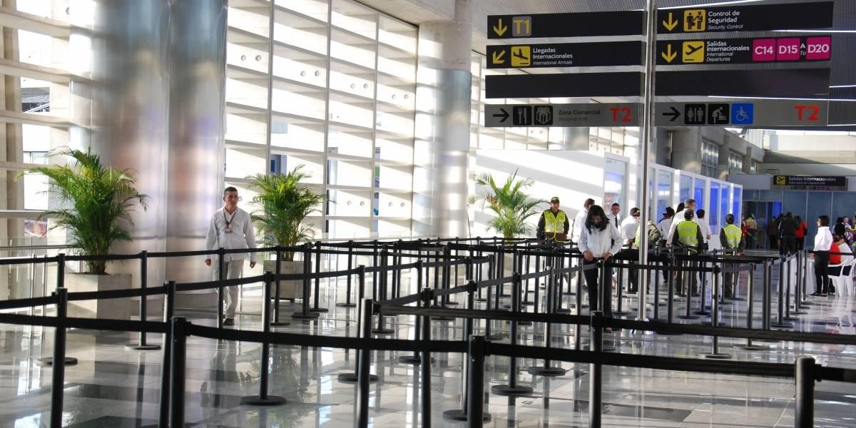 Aerolínea responde a denuncia de la gobernadora del Valle por sus maletas