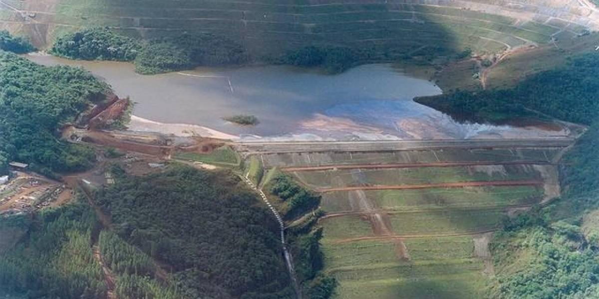 Risco de rompimento de barragem faz defesa civil retirar famílias de casa em Rio Preto