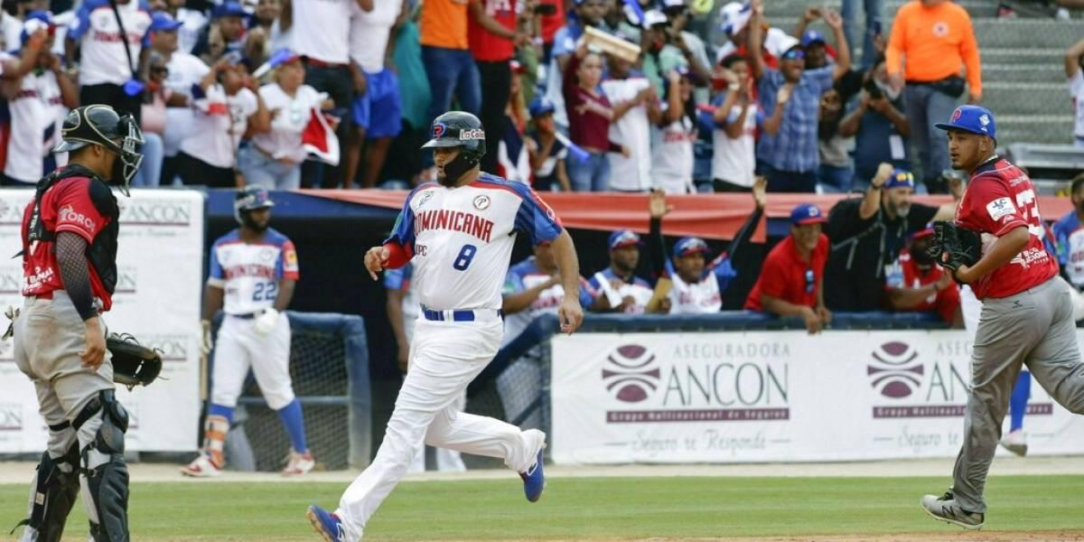 Dominicana gana a Panamá y queda en compás de espera