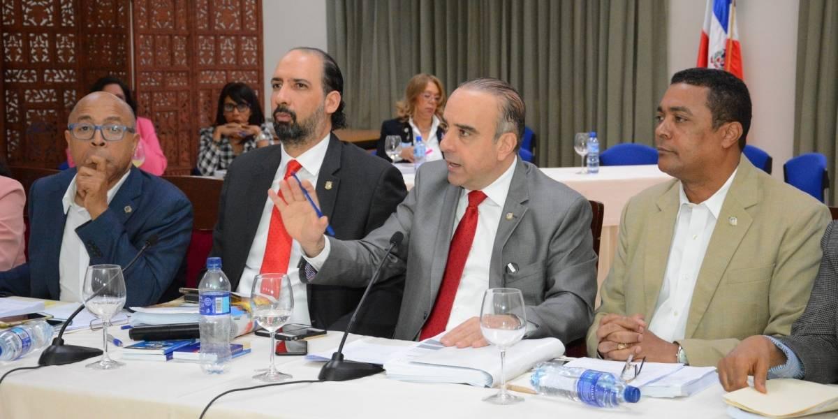Comisión bicameral concluye estudio Ley Electoral; seguirá arrastre senadores