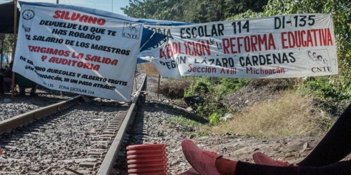 AMLO presenta queja ante CNDH por bloqueos de maestros en Michoacán