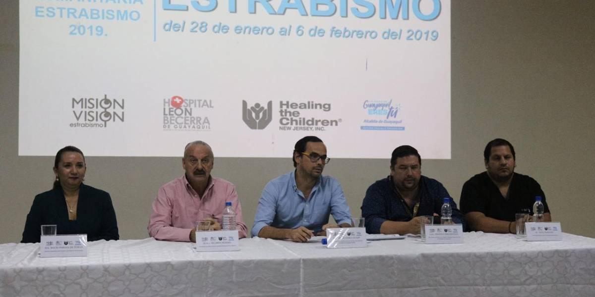 Guayaquil: Niños y jóvenes serán intervenidos a operaciones oculares gratis