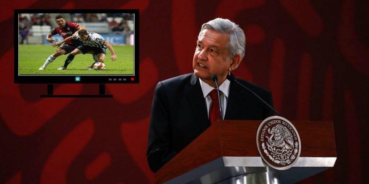 Preocupa a AMLO que se cobre por ver futbol en México