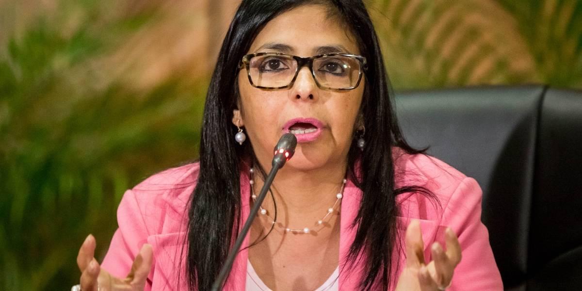 Delcy Rodríguez llama a Guaidó a parar la 'locura' de reemplazar a Maduro