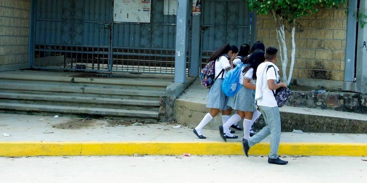 Asaltan a alumnos y maestro dentro de preparatoria en Chiapas