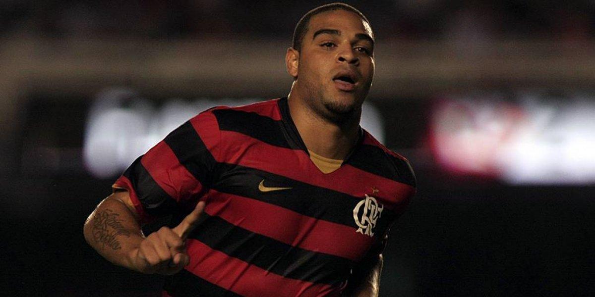 Adriano es criticado por publicación luego del flagelo en el club Flamengo