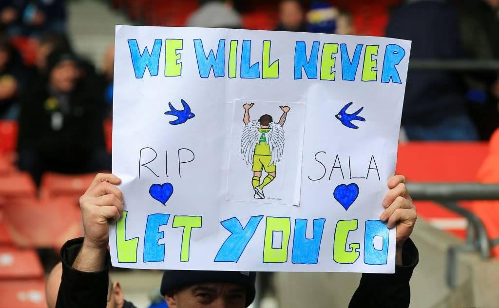 Emiliano Sala fue homenajeado durante el partido del Cardiff Getty Images