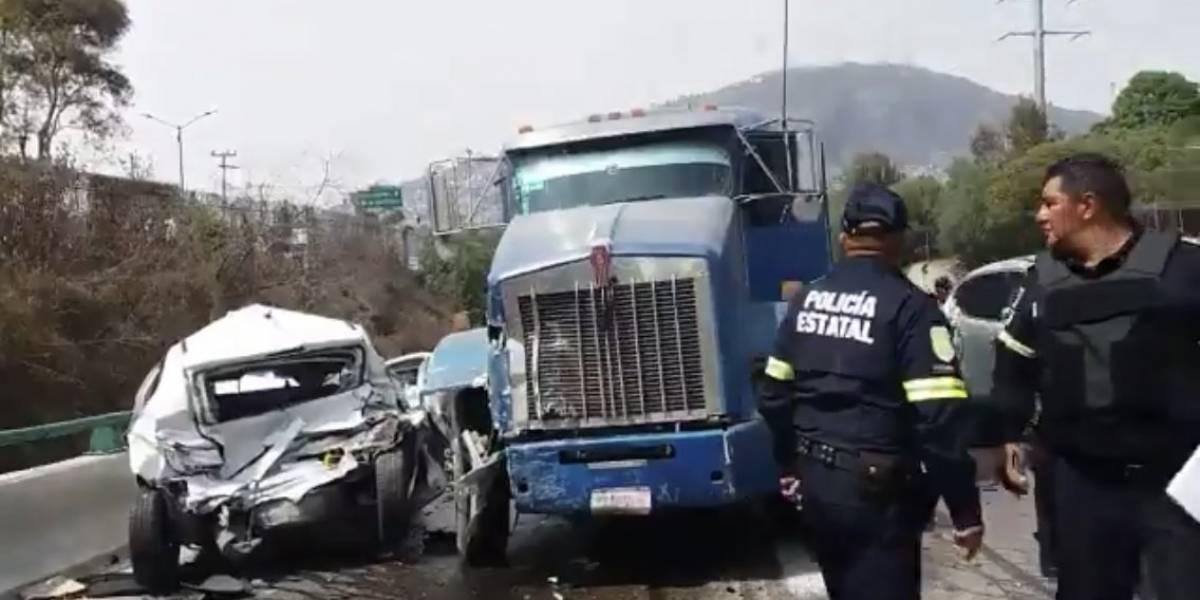 Trailer embiste a vehículos sobre la autopista Naucalpan-Ecatepec