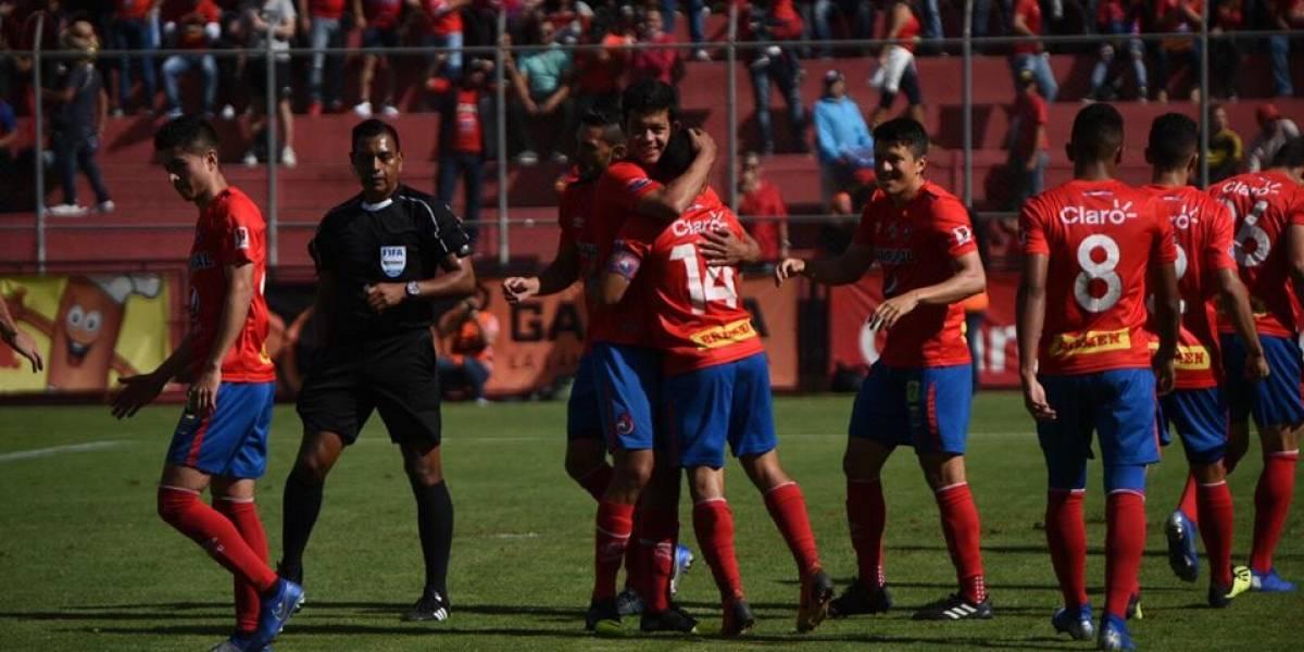 Municipal sigue en alza tras golear a Iztapa en El Trébol