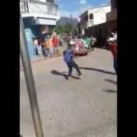 Dos hombres resultan con serias heridas al atacarse con machetes.