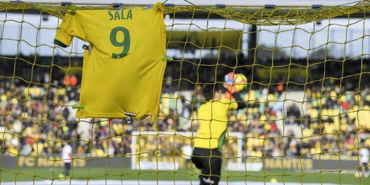 Le rinden homenajes a Emiliano Sala, el futbolista fallecido en accidente aéreo