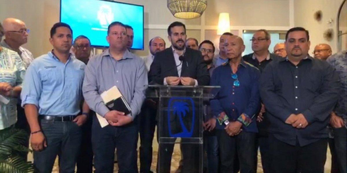 """Rosselló celebra la """"robusta"""" estructura del PNP en reunión del Directorio"""