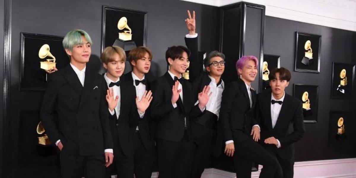 Aunque no ganarán premio, BTS arrasa en los Grammy y fans enloquecen