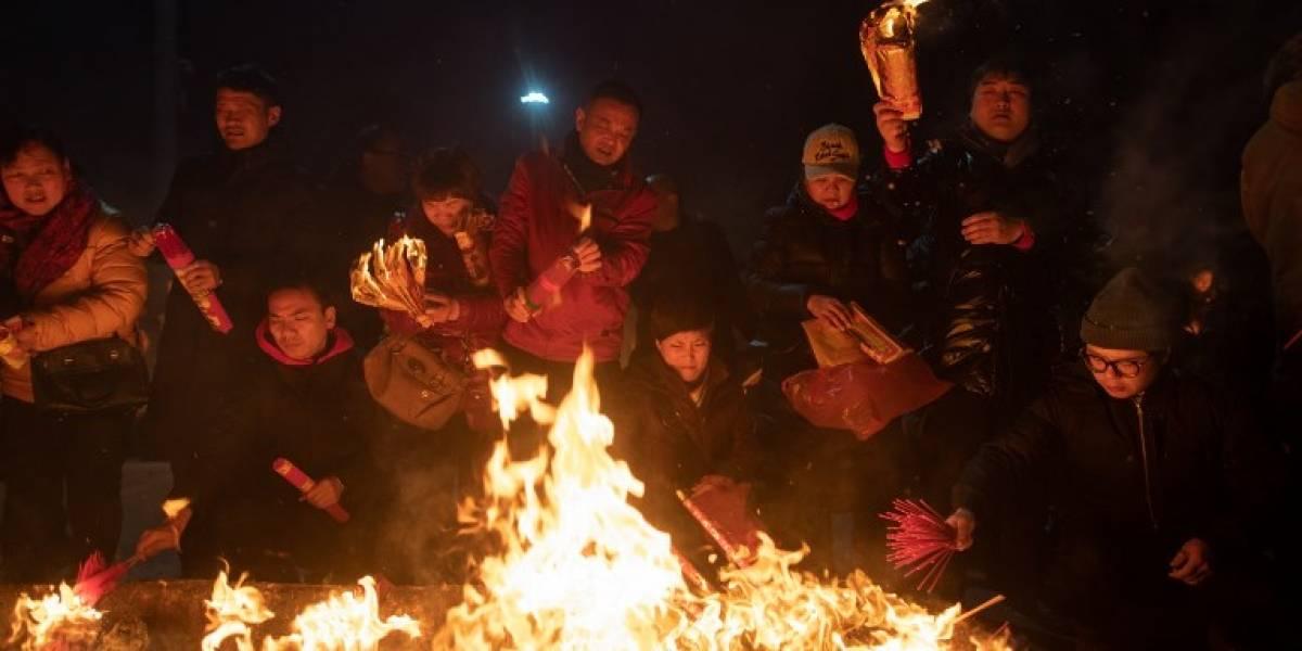 VIDEO. Miles de chinos rinden homenaje al Dios de la Riqueza