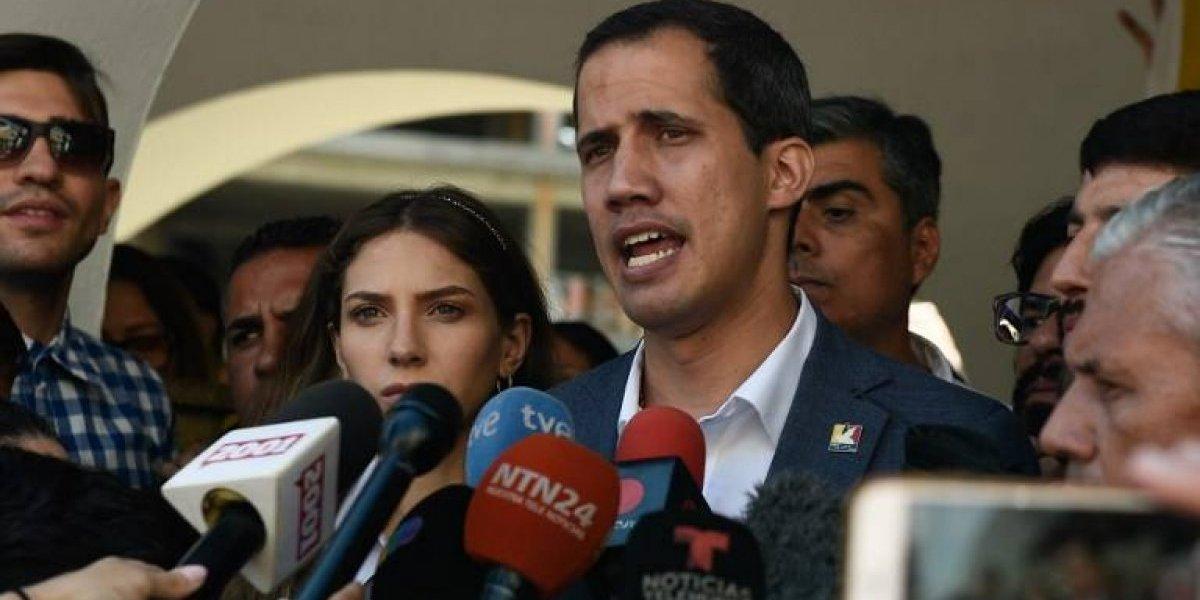 """Guaidó advierte: Bloqueo de ayuda humanitaria es un """"crimen de lesa humanidad"""""""